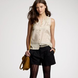 Confusing fashion looks: Shorts with tights