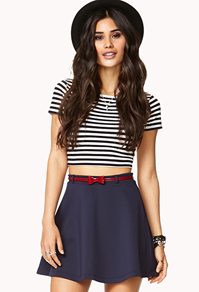 A high waist skirt that looks great with a belt