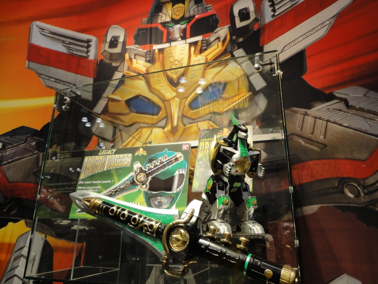 The Green Ranger's Dragonzord and Dragon Dagger.