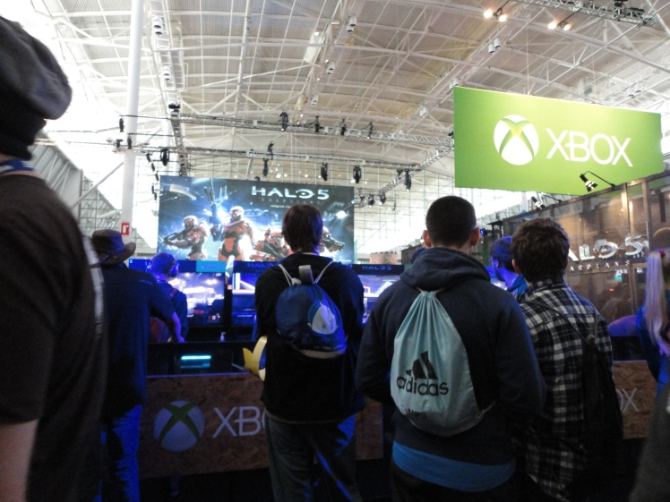 The Xbox Station where Halo 5 is among the games a con goer can test out.